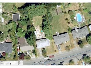Photo 2: 1618 Richardson St in VICTORIA: Vi Fairfield West House for sale (Victoria)  : MLS®# 699990