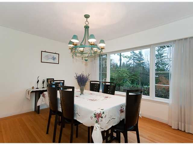 Photo 4: Photos: 115 BONNYMUIR Drive in West Vancouver: Glenmore House for sale : MLS®# V860701