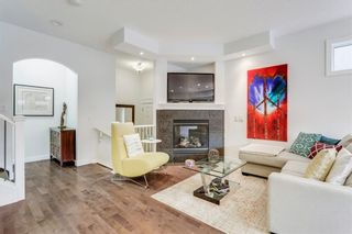 Photo 3: 2 528 34 Street NW in Calgary: Parkdale Row/Townhouse for sale : MLS®# C4267517