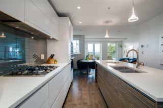 """Photo 11: 301 2035 W 4TH Avenue in Vancouver: Kitsilano Condo for sale in """"THE VERMEER"""" (Vancouver West)  : MLS®# R2493393"""