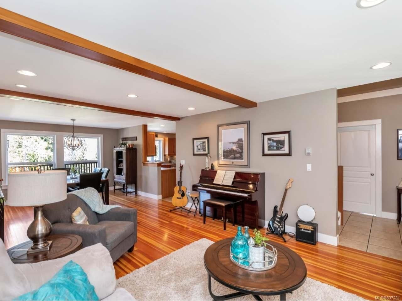 Photo 15: Photos: 925 Lilmac Rd in MILL BAY: ML Mill Bay House for sale (Malahat & Area)  : MLS®# 837281