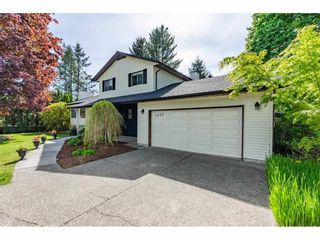 """Photo 3: 5693 246B Street in Langley: Salmon River House for sale in """"Strawberry Hills"""" : MLS®# R2581295"""