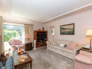 Photo 2: 2681 E 4TH Avenue in Vancouver: Renfrew VE House for sale (Vancouver East)  : MLS®# R2605962