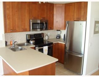 """Photo 4: 1103 3980 CARRIGAN Court in Burnaby: Government Road Condo for sale in """"DISCOVERY PLACE"""" (Burnaby North)  : MLS®# V788912"""