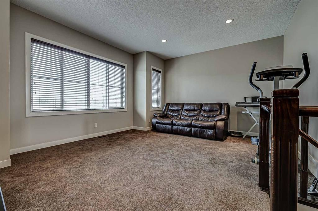 Photo 18: Photos: 200 EVERBROOK Drive SW in Calgary: Evergreen Detached for sale : MLS®# A1102109