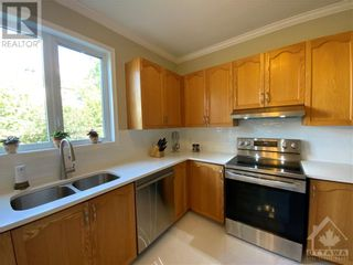 Photo 12: 22 GREATWOOD CRESCENT in Ottawa: House for sale : MLS®# 1258576
