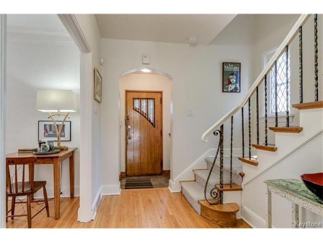 Photo 2: Photos: 315 Queenston Street in Winnipeg: River Heights North Residential for sale (1C)  : MLS®# 1705969