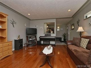 Photo 3: 2319 Evelyn Hts in VICTORIA: VR Hospital House for sale (View Royal)  : MLS®# 692691