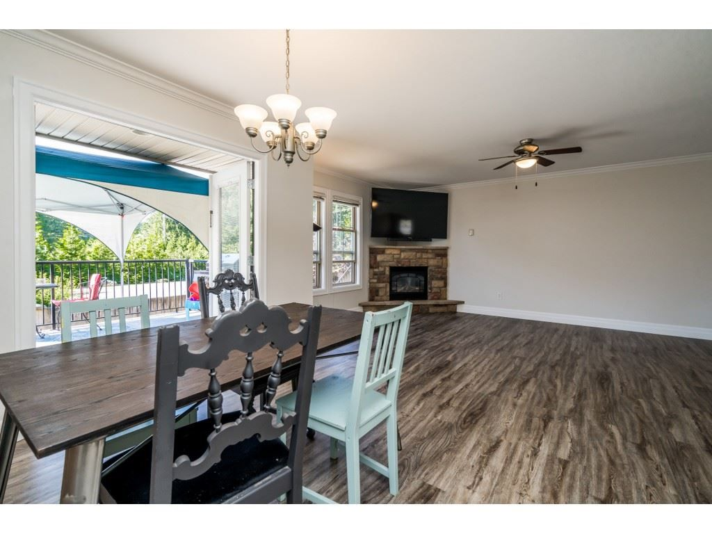 """Photo 7: Photos: 27 6450 BLACKWOOD Lane in Chilliwack: Sardis West Vedder Rd Townhouse for sale in """"The Maples"""" (Sardis)  : MLS®# R2480574"""