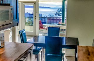 Photo 7: 15542 COLUMBIA Avenue: House for sale in White Rock: MLS®# R2536683