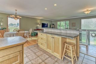 Photo 5: 703 Alderwood Place SE in Calgary: Acadia Detached for sale : MLS®# A1131581