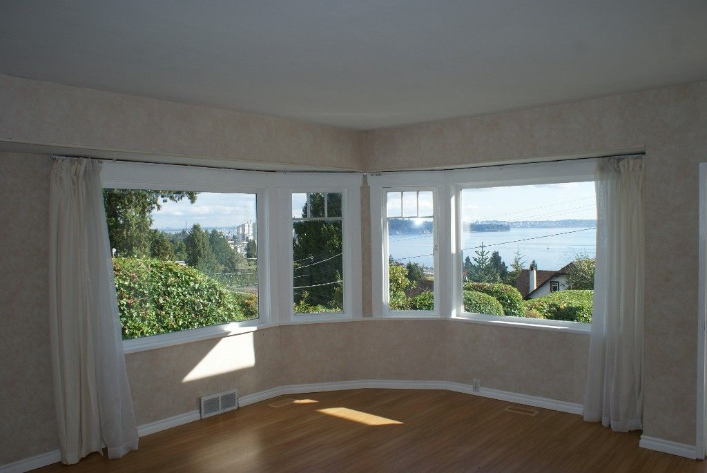 Photo 2: Photos: 2595 Lawson Avenue in West Vancouver: Dundarave House for rent