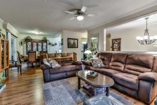 Photo 3: 21436 117 Avenue in Maple Ridge: West Central House for sale : MLS®# R2139746