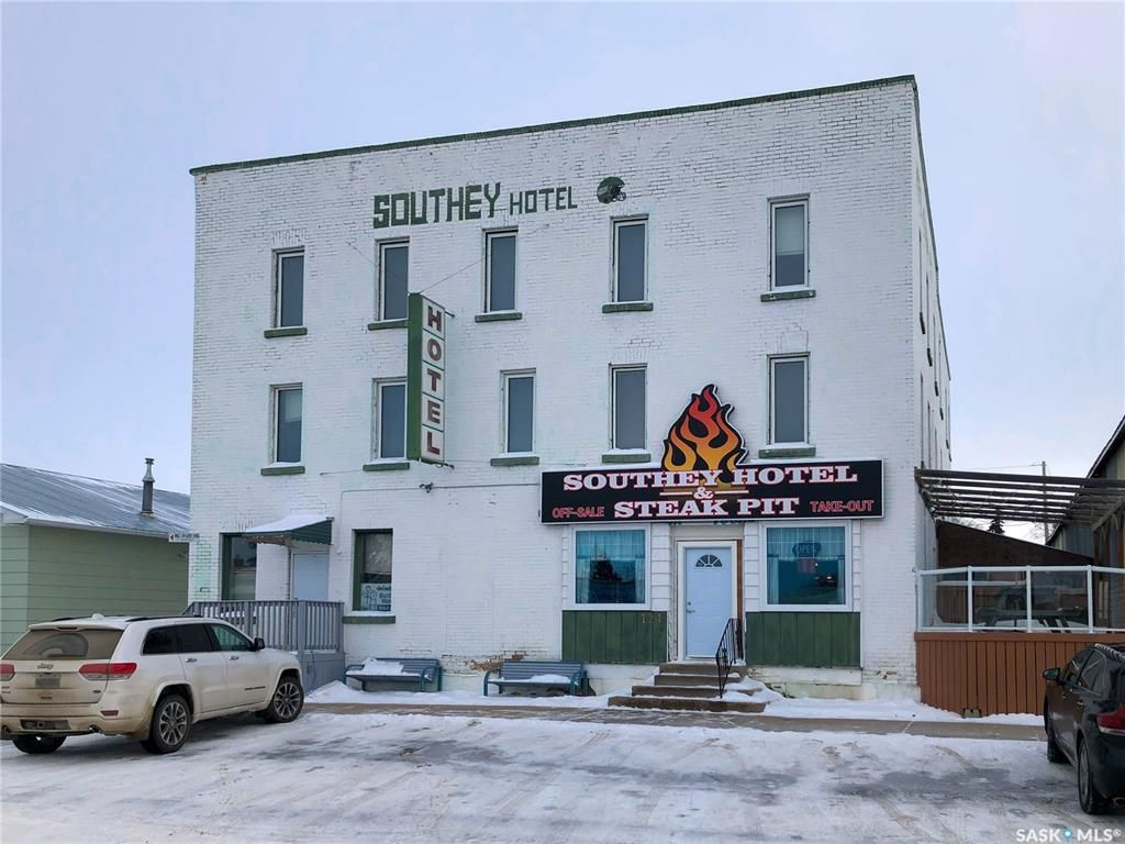 Main Photo: 124 Keats Street in Southey: Commercial for sale : MLS®# SK842138