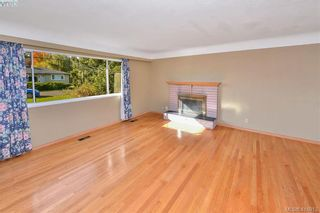 Photo 4: 3675 McIvor Ave in VICTORIA: SE Cedar Hill House for sale (Saanich East)  : MLS®# 827115