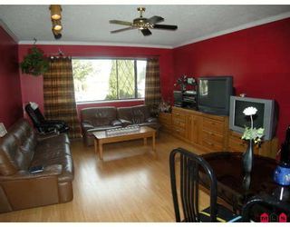"""Photo 3: 15226 FLAMINGO Place in Surrey: Bolivar Heights House for sale in """"BIRDLAND"""" (North Surrey)  : MLS®# F2902338"""