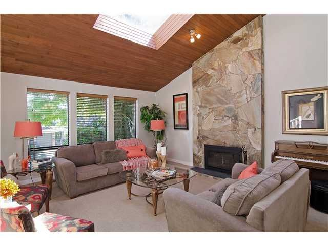 Main Photo: 2541 JASMINE Court in Coquitlam: Summitt View House for sale : MLS®# V1130746