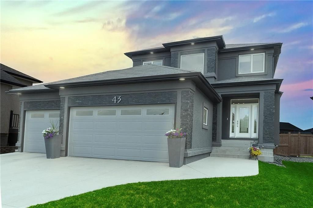 Main Photo: 43 Birch Point Place in Winnipeg: South Pointe Residential for sale (1R)  : MLS®# 202114638