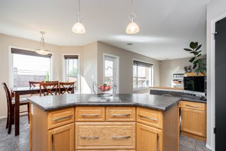 Photo 8: 111 Bridgewood Drive in Winnipeg: Bridgewood Estates House for sale (3J)  : MLS®# 202022100
