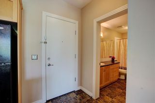Photo 2: 221 3111 34 Avenue NW in Calgary: Varsity Apartment for sale : MLS®# A1103240