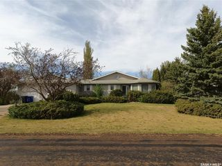 Photo 1: 107 Railway Avenue in Cut Knife: Residential for sale : MLS®# SK855713