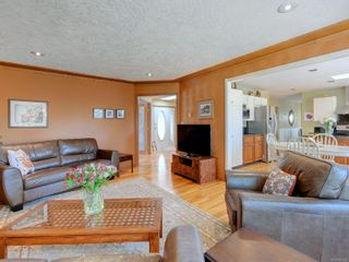 Photo 6: 1017 Southover Lane in : SE Broadmead House for sale (Saanich East)  : MLS®# 881928