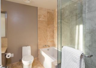 "Photo 8: 103 181 W 1ST Avenue in Vancouver: False Creek Condo for sale in ""THE BROOK"" (Vancouver West)  : MLS®# R2227937"