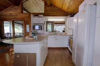Photo 13: 7353 Kendean Road: Anglemont House for sale (North Shuswap)  : MLS®# 10239184