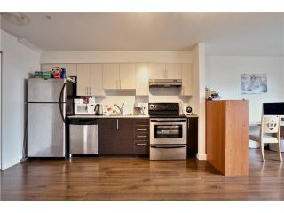 """Photo 10: 106 5568 KINGS Road in Vancouver: University VW Townhouse for sale in """"GALLERIA"""" (Vancouver West)  : MLS®# V1109797"""
