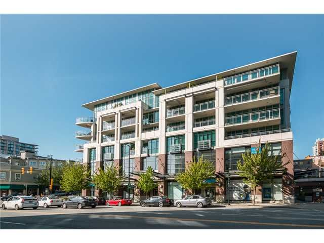 "Main Photo: 409 100 E ESPLANADE Street in North Vancouver: Lower Lonsdale Condo for sale in ""The Landing"" : MLS®# V1063412"
