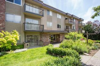 """Photo 1: 211 610 THIRD Avenue in New Westminster: Uptown NW Condo for sale in """"Jae-Mar Court"""" : MLS®# R2588712"""