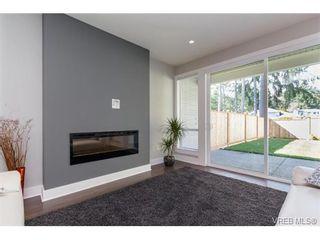 Photo 3: 221 Bellamy Link in VICTORIA: La Thetis Heights Half Duplex for sale (Langford)  : MLS®# 753483