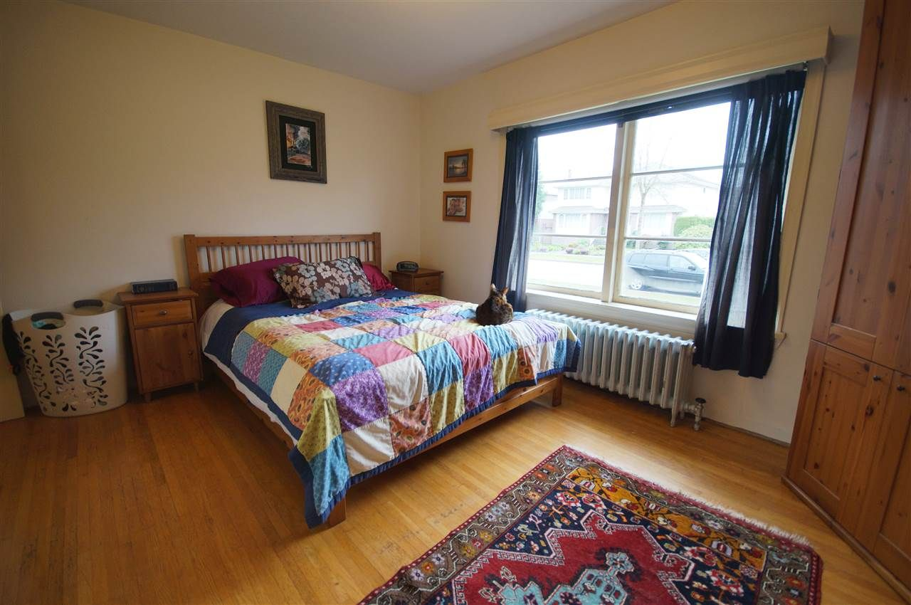Photo 11: Photos: 2441 E 40TH AVENUE in Vancouver: Collingwood VE House for sale (Vancouver East)  : MLS®# R2051236