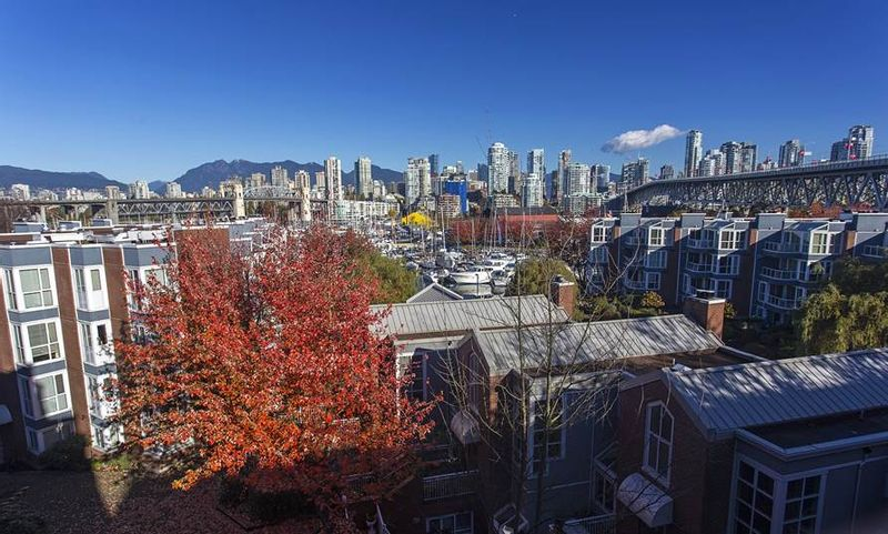 FEATURED LISTING: 505 - 1508 MARINER Walk Vancouver