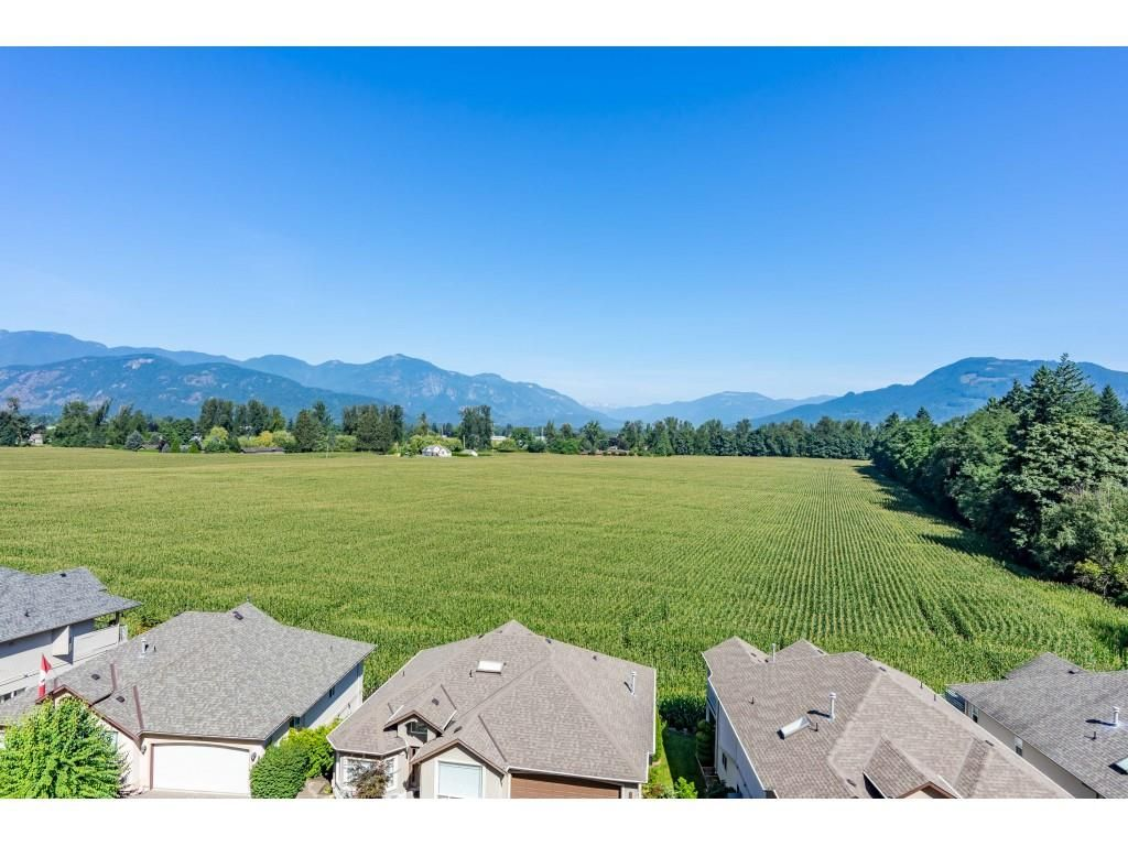 """Main Photo: 30 47470 CHARTWELL Drive in Chilliwack: Little Mountain House for sale in """"Grandview Ridge Estates"""" : MLS®# R2520387"""