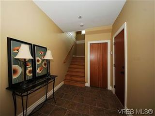 Photo 10: 277B Michigan in VICTORIA: Vi James Bay Townhouse for sale (Victoria)  : MLS®# 296931