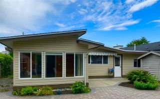 """Photo 1: 233 67 Street in Tsawwassen: Boundary Beach House for sale in """"Bounday Bay"""" : MLS®# R2455324"""