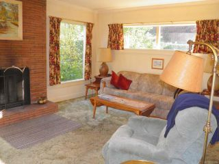 Photo 3: 955 1st St in COURTENAY: CV Courtenay City House for sale (Comox Valley)  : MLS®# 715905