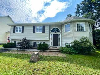 Photo 1: 311 Springfield Lake Road in Middle Sackville: 26-Beaverbank, Upper Sackville Residential for sale (Halifax-Dartmouth)  : MLS®# 202118252