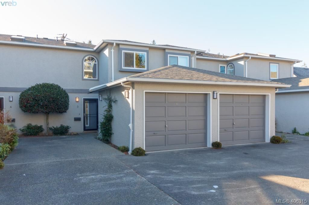 Main Photo: 3 9855 Resthaven Dr in SIDNEY: Si Sidney North-East Row/Townhouse for sale (Sidney)  : MLS®# 807519