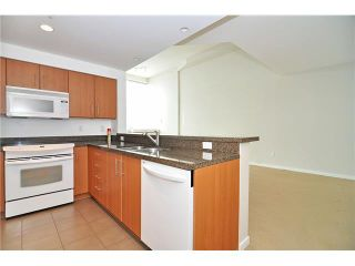 """Photo 2: 1406 189 NATIONAL Avenue in Vancouver: Mount Pleasant VE Condo for sale in """"THE SUSSEX"""" (Vancouver East)  : MLS®# V1132745"""
