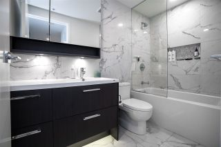 """Photo 12: 515 5580 NO. 3 Road in Richmond: Brighouse Condo for sale in """"Orchid by Beedie"""" : MLS®# R2502127"""
