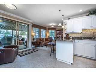 """Photo 7: 24 19649 53 Avenue in Langley: Langley City Townhouse for sale in """"Huntsfield Green"""" : MLS®# R2155558"""