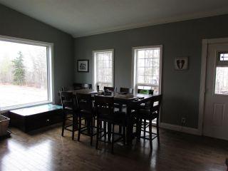 """Photo 18: 16552 265 Road in Fort St. John: Fort St. John - Rural W 100th House for sale in """"ROSE PRAIRIE"""" (Fort St. John (Zone 60))  : MLS®# R2454884"""