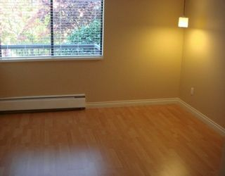 "Photo 5: 588 E 5TH Ave in Vancouver: Mount Pleasant VE Condo for sale in ""MCGREGOR HOUSE"" (Vancouver East)  : MLS®# V616777"