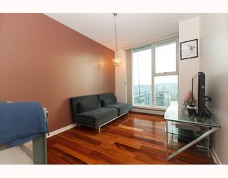 """Photo 7: 3105 1009 EXPO Boulevard in Vancouver: Downtown VW Condo  in """"LANDMARK 33"""" (Vancouver West)  : MLS®# V801794"""