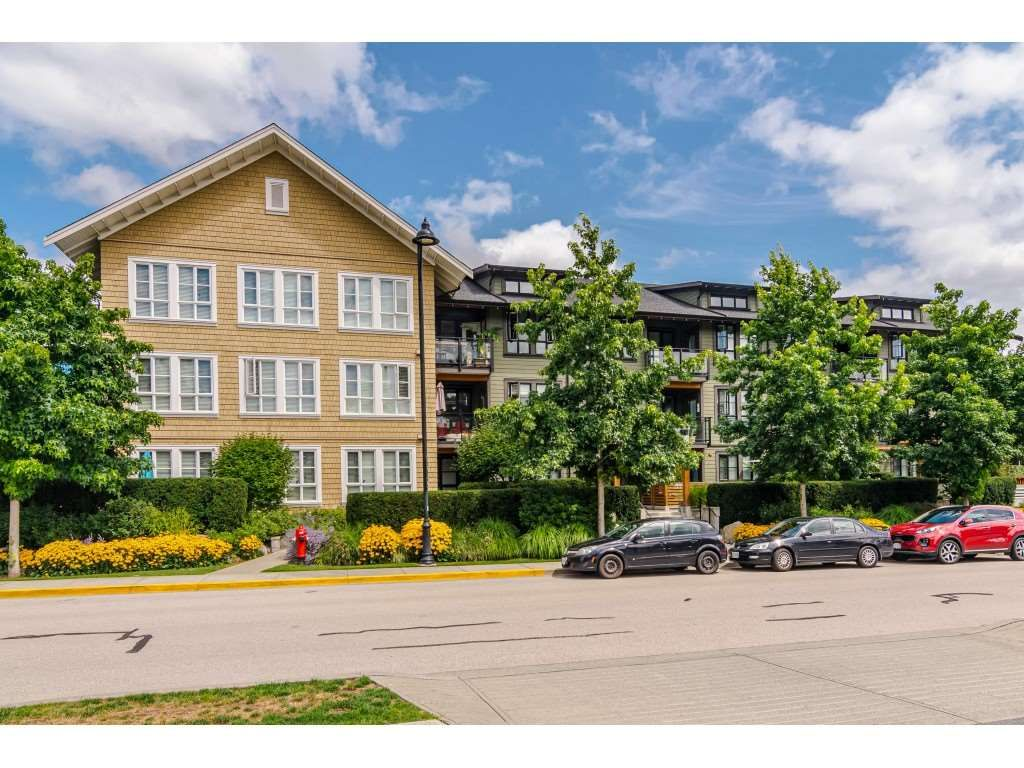 Main Photo: 307 23285 BILLY BROWN Road in Langley: Fort Langley Condo for sale : MLS®# R2459874