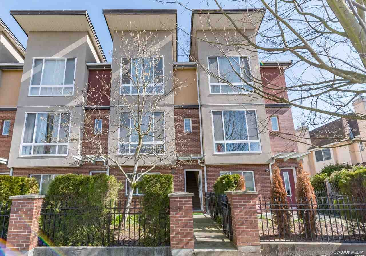 """Main Photo: 8 8088 SPIRES Gate in Richmond: Brighouse Townhouse for sale in """"CRANBERRY COURT"""" : MLS®# R2348277"""