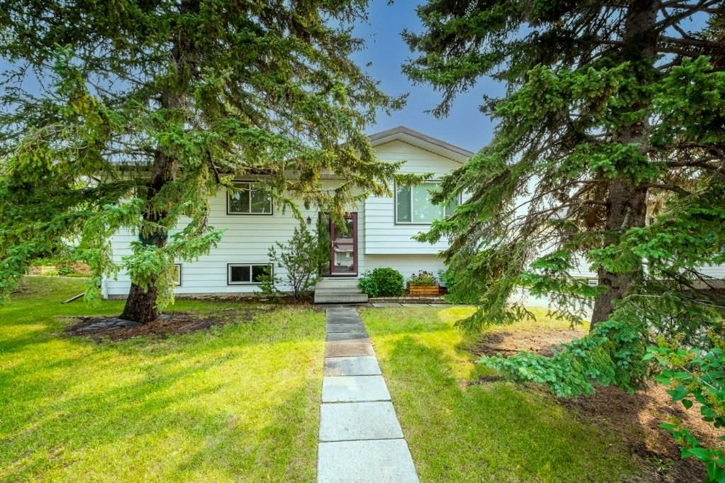 Main Photo: 652 12 Avenue: Carstairs Detached for sale : MLS®# A1135069