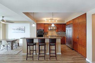 Photo 7: LA JOLLA Condo for sale : 2 bedrooms : 5420 La Jolla Blvd #B202